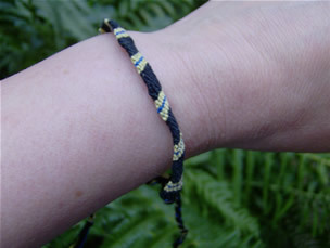 Craftalong_housebracelets_hufflepuff_iheartprofsnape