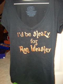 July2009cal_accioteestenciling_sleazyforronweasleyshirt_momogirl