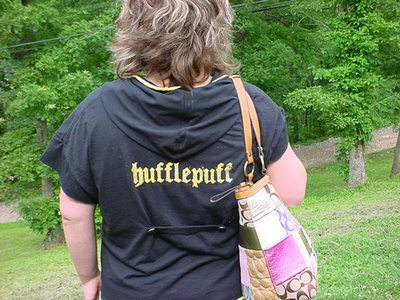 Normal_july2009craftalong_accioteestenciling_hufflepuffrobelikeshirt_1_asweasleyasiwannabe