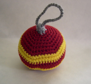 Crocheted Gryffindor ornament by Overcast.