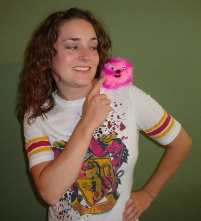 Normal_august2009contest_thecraftyhbp_pygmypuffs_shoulder_rosie016