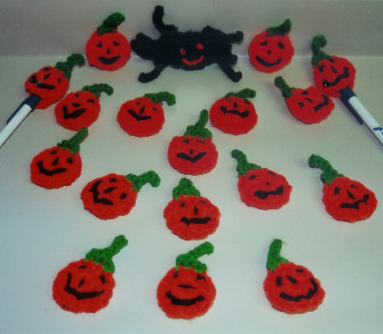 Crochet_penciltoppers_jacks_ofenjen