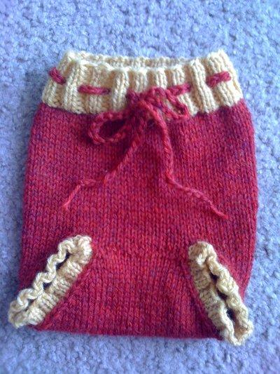 Fcotm_knitting_mugglewear_gryffindorbabysoaker_quietish