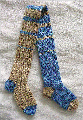 Knitting_bookmark_dobbystylehousesockmark_img2_deebrown