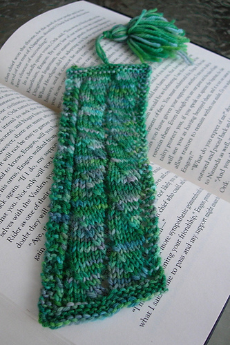 Knitting_muggledevices_bookmarks_slytherinlacywavesa_archerpren