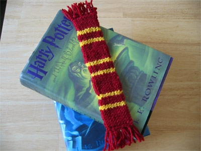 Double Knit Bookscarf