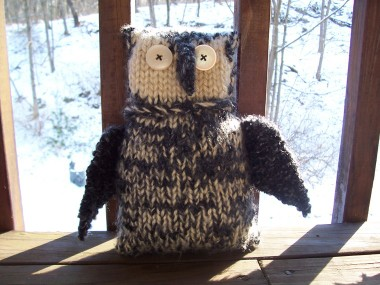 Knitting_magicalcreatures_owls_finishedowl_trianmort