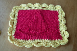 Knitting_muggledevices_witcheshatdishcloth_pren