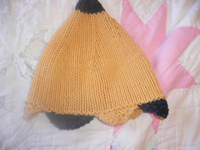 Normal_knitting_hats_elfhathufflepuffa_sparrowsnest