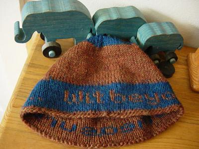 Normal_knitting_mugglewear_hats_ravenclawwithat_emma_mediares