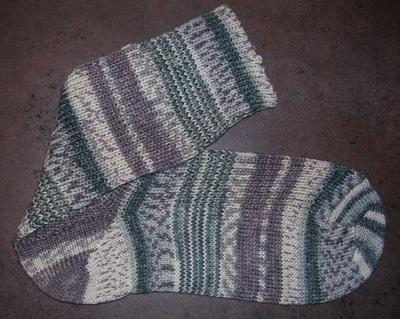 Normal_crafts_knitting_hpsocks_hedwig_02