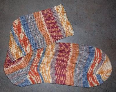 Normal_crafts_knitting_hpsocks_ron_02