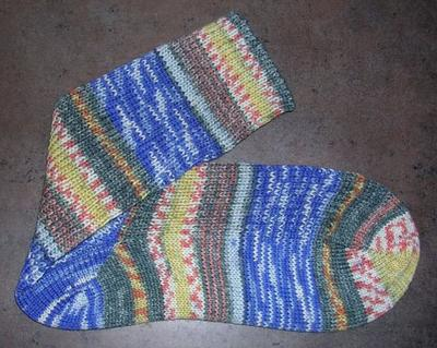 Normal_crafts_knitting_hpsocks_ronharry_02