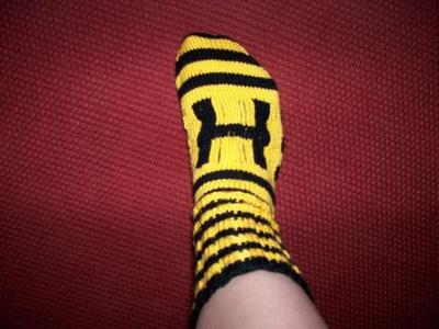 Normal_knitting_mugglewear_hufflepuffsock2_petra
