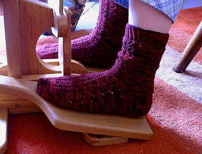 Normal_knitting_mugglewear_yulesocks_purly