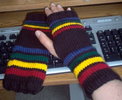 Normal_moyahouseunitywristwarmers2