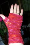 Thumb_knitting_mugglewear_fawkesfingerlessmitts2_stacymarie