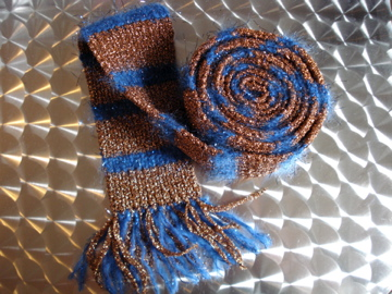 Knitting_scarves_glamrockscarfc_wonderfallz