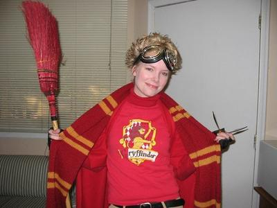 Normal_knitting_wizardwear_scarves_poagryffindor_eyesthatlightup