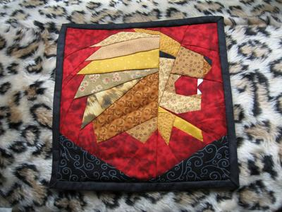 Normal_quilt_wallhanging_gryff_ofenjen