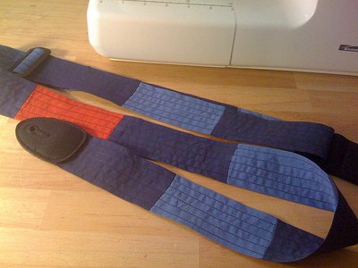 Normal_sewing_mugggledevices_guitarstrap_houseofawsome_quietish
