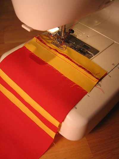Normal_sewing_muggledevices_gryffindorguitarstrap_step2_quietish