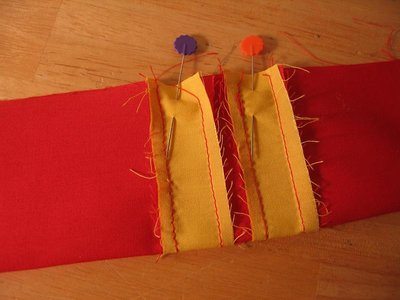 Normal_sewing_muggledevices_gryffindorguitarstrap_step3_quietish