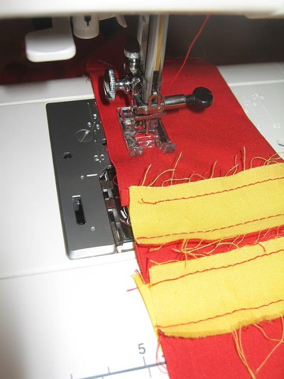 Normal_sewing_muggledevices_gryffindorguitarstrap_step4_quietish
