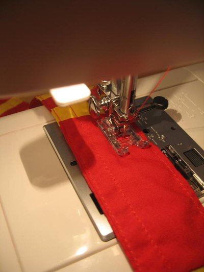 Normal_sewing_muggledevices_gryffindorguitarstrap_step5_quietish