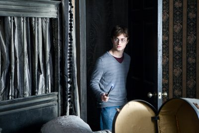Normal_deathlyhallowspt1_officialhighres_002