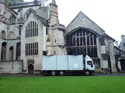 Normal_movies_hbp_filming_gloucestercathedral_25