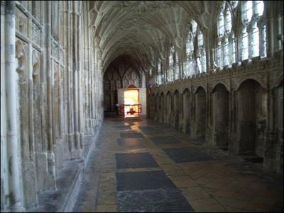 Normal_movies_hbp_filming_gloucestercathedral_54