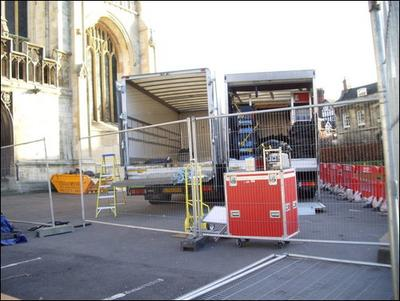 Normal_movies_hbp_filming_gloucestercathedral_60