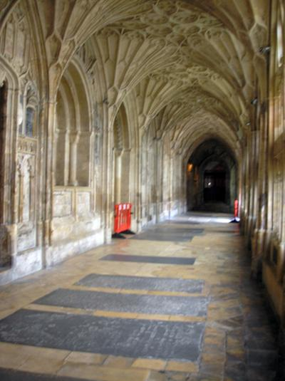 Normal_movies_hbp_gloucestercathedral_prep_02