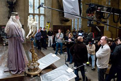 Normal_movies_halfbloodprince_officialhighres_behindscenesddgreathall_001