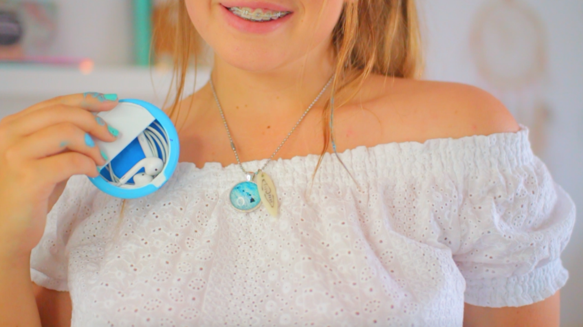 DIY Earphone Case Every Girl Needs to Make!