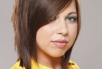 Party-hairstyling-tips-straight-strands-side