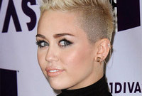 Hairstyle-evolution-miley-cyrus-short-haircut-side