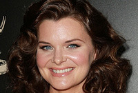 Heather-tom-hairstyles-blonde-to-brown-side