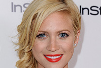 Brittany-snow-hairstyle-history-side