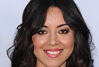 Aubrey-plaza-hairstyles-and-makeup-side