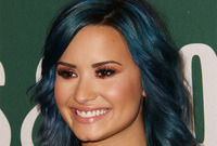 Demi-lovato-jewel-tone-hairstyle-and-makeup-to-match