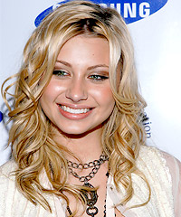 Alyson Michalka hairstyles