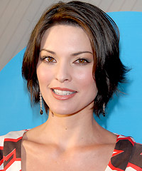 Alana De La Garza hairstyles