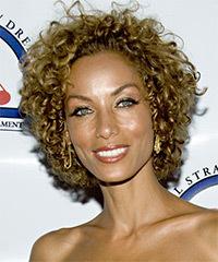 Nicole Mitchell hairstyles