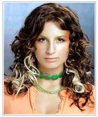 Model with brown hair and blonde curls