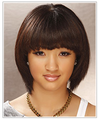 Model with mid-length brown bob