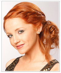 Model with copper red hair