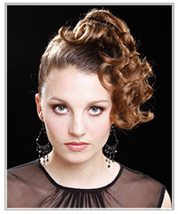 Model with long curly upstyle