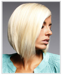 Model with platinum blonde hair